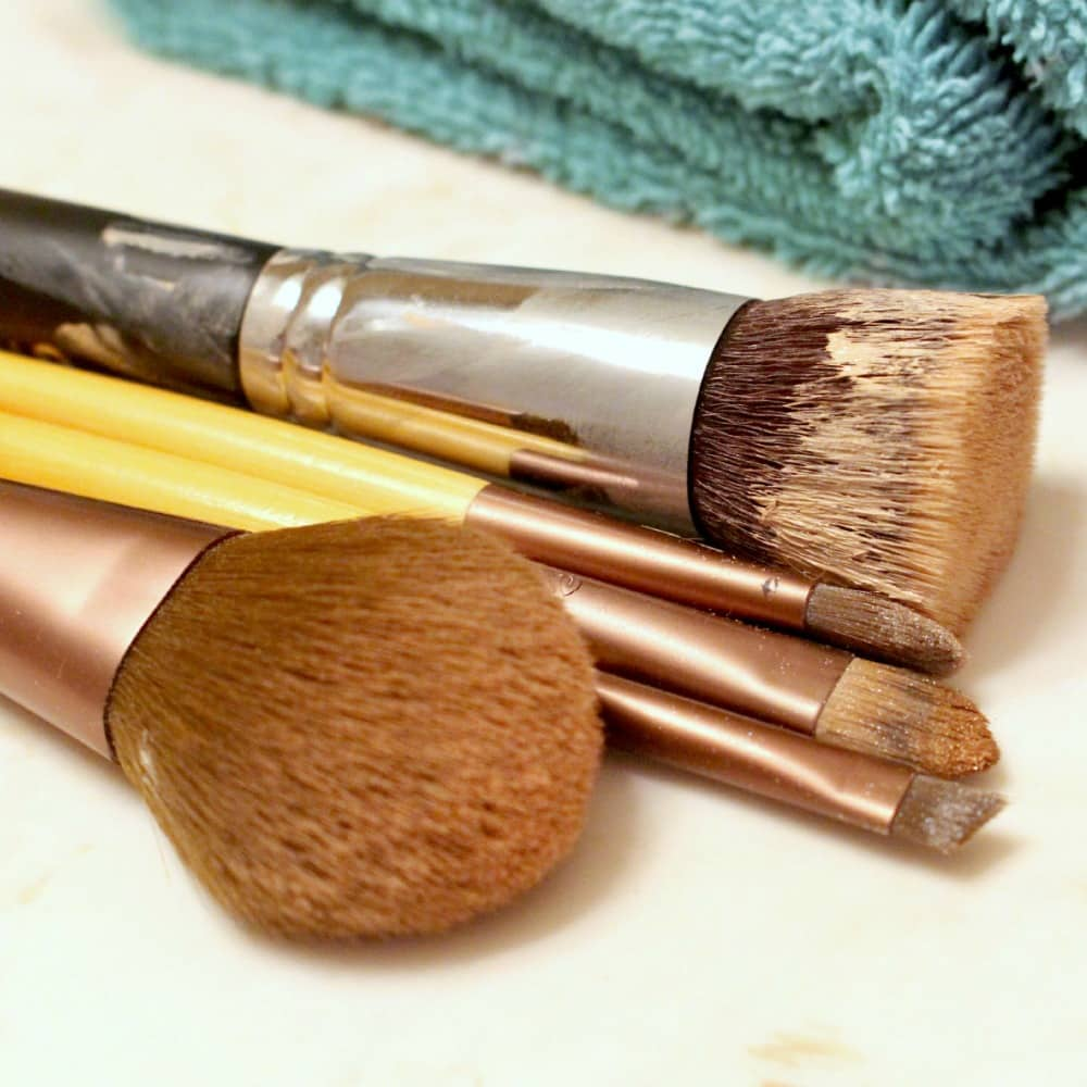 How to Clean Makeup Brushes - Yucky Brushes