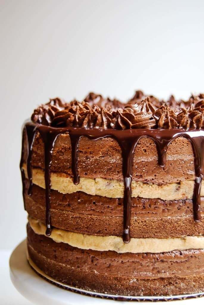 Healthy Wedding Cake Recipes: Chocolate Chip Cookie Dough Brownie Cake
